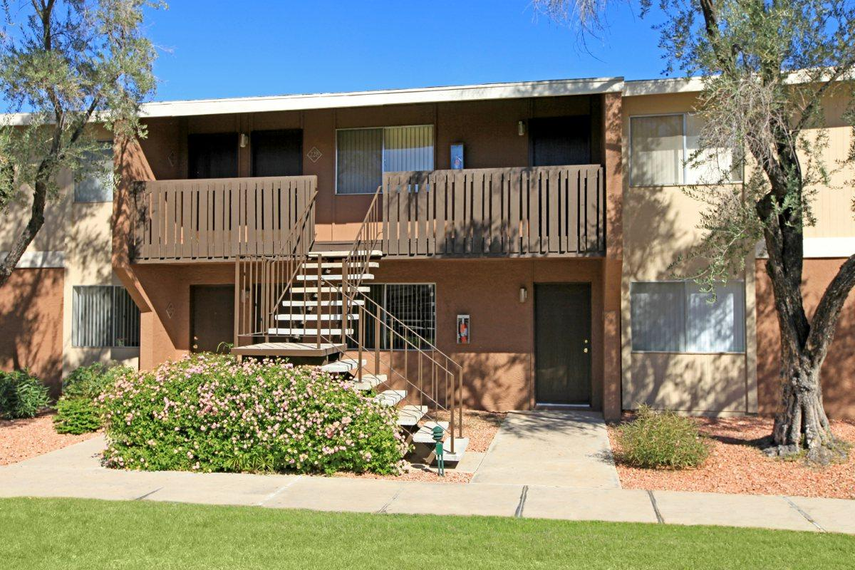 Capistrano Apartments - Capistrano Apartments is at the hub of Tucson's educational and recreational activities